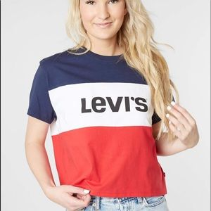 Levi's crop color block graphic shirt small